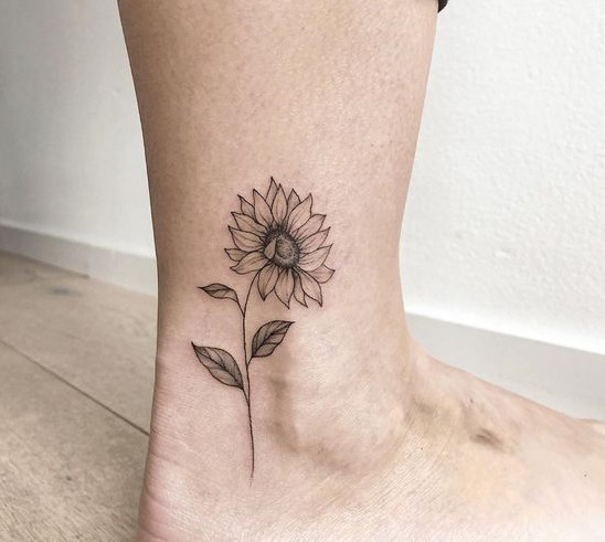 تاتو بدن ، تاتو گل آفتابگردان ، تاتو مچ پا