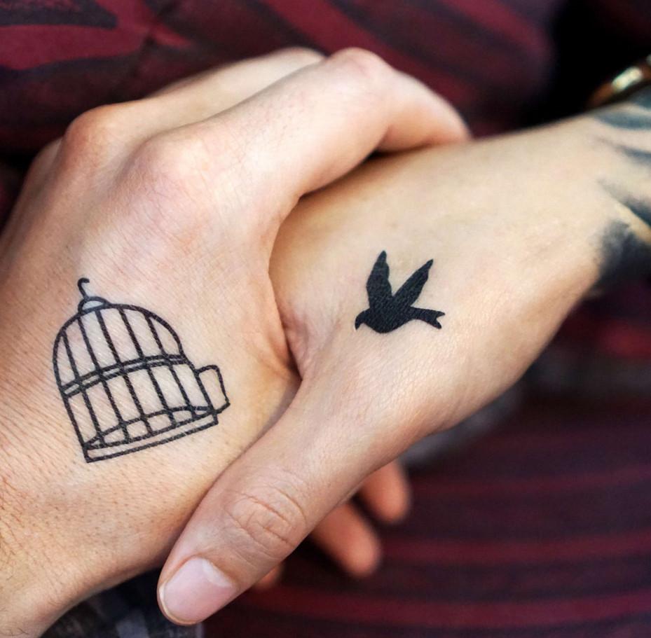 تاتو قفس ، تاتو پرنده ، تاتو دو تکه ، تاتو تهران ، تاتو کار بدن