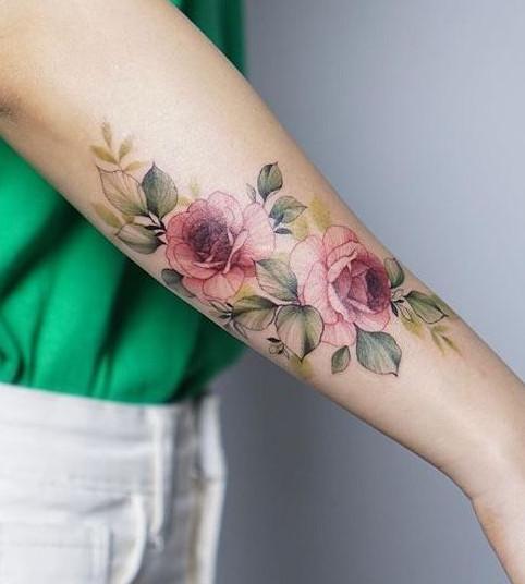 تاتو کار در تهران ، خالکوبی گل سرخ ، تاتو بدن ، خالکوبی ساق دست راست